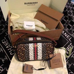 Burberry camera bag New Edition